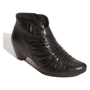 Pikolinos Ginebra Ankle Boot Ruched Leather Black